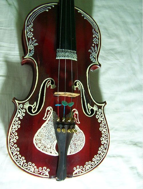 From Superior Violins. Hand-selected by violin pro Michael Sanchez. http://www.superiorviolins.com