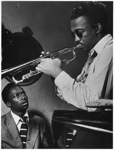 Miles Davis fascinated by Howard McGee's playing https://youtu.be/jgmEY41baKM