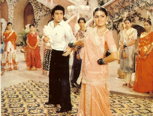 "Love this song!!! Padmini Kolhapure look´s so cute!!! ""yeh galiyan yeh chaubara"" from film ""Prem Rog"" 1982 http://www.youtube.com/watch?v=9AZbwR6152U"