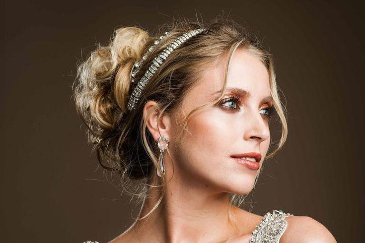 Passo a passo de penteados para noivas: veja três looks modernos