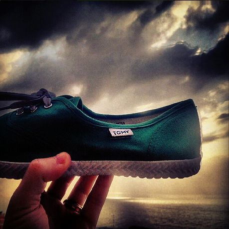 (cue music & choirs) Behold the #tomytakkies !