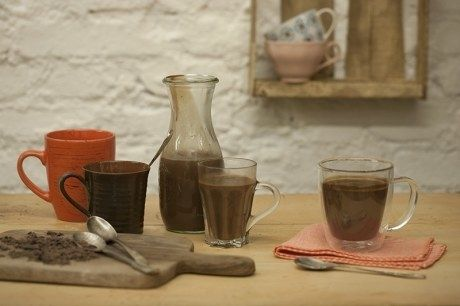 Não tem como errar. Basta misturar leite integral com chocolate amargo e creme de leite, e essa delícia está pronta para adoçar dias frios. Veja a receita aqui.