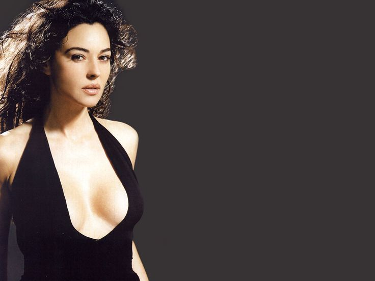 special monica bellucci wallpaper