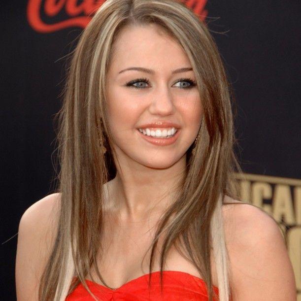 Oi meninas, tudo bom? Já me pediram muito para fazer um Inspire-se na Miley Cyrus, então eu escolhi mostar as várias cores e cortes de cabelo que ela já...