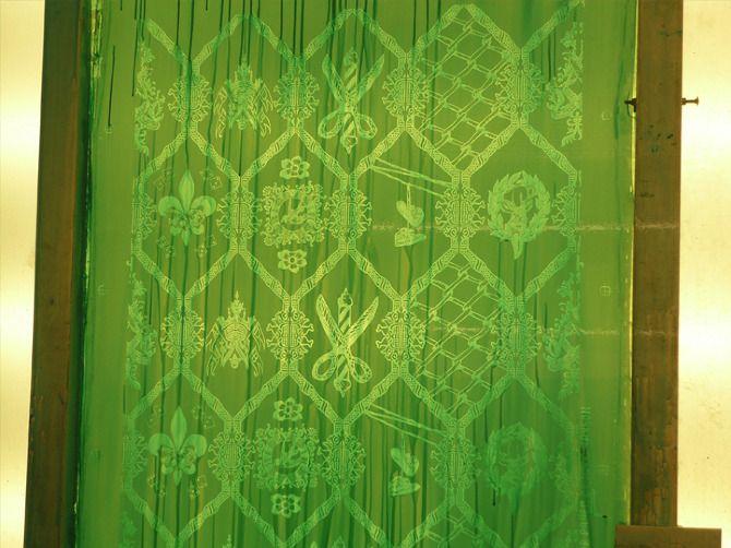 Wallpape I designed for HBAD store Bristol uk Mattmanson.co.uk    Wallpaper Design, home ,Bristol, Barbers shop, custom wallpaper ,Hbad ,FlavorPaper, Mattmanson.co.uk ,freelance work , gold, gold and black, gold wallpaper, Brooklyn ,NYC ,screen print ,hand printed wallpaper ,screen print