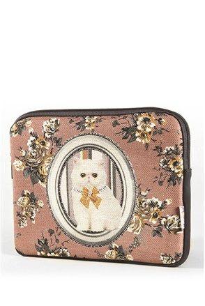 Retro iPad bag at #Stilago #Apolena #cat