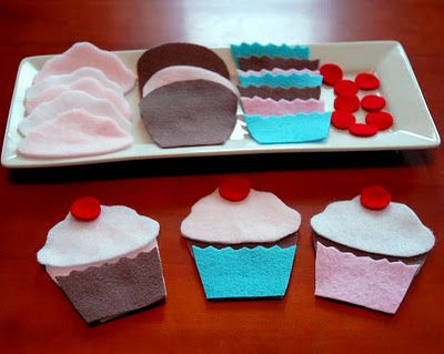 """a """"build a cupcake"""" game for small children...really cute idea"""
