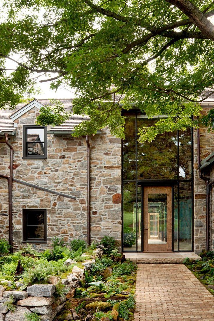Maisons en pierre et baies vitrées