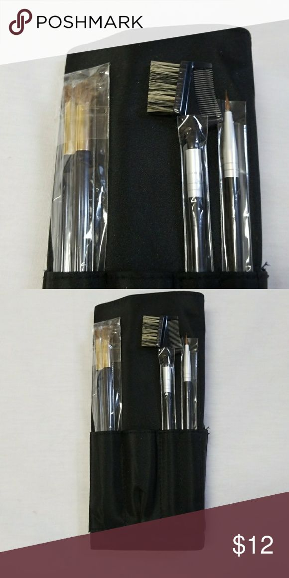 Makeup brushes New, tootsie roll style case, contains eyeliner brush, brow/lash comb and 2 eyeshadow brushes Makeup Brushes & Tools