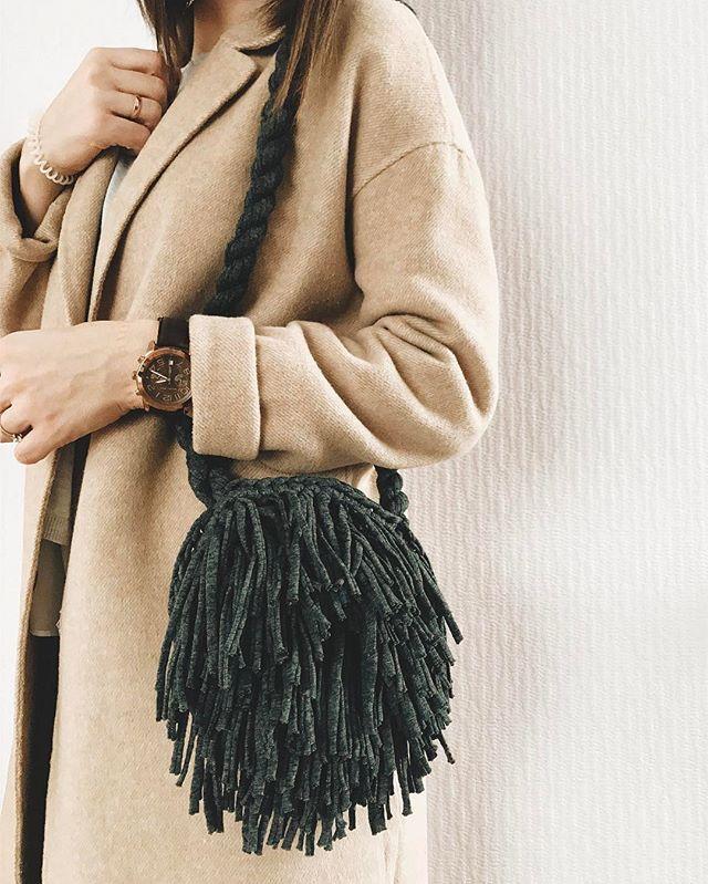 Будь не таким как все, будь самим собой ! ❤️😘 доброго понедельника , дорогие! И плодотворной недели! 👌🏽 Сумка в наличии : 2500₽ ( без подклада)  Вотсап/Вайбер :89160654083  #вязаниекрючком #crochet #handmade #сумка #сумкаизтрикотажнойпряжи #медуза #вязаниеназаказ
