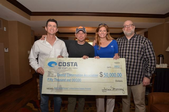 CMR Photo Of The Day: Kenny Chesney & Costa Del Mar Sunglasses Raise $50,000 For Coastal Conservation Association