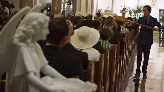 """El estudio muestra que aproximadamente el 32% de la población estadounidense cree que es muy importante ser cristiano para ser considerado como un """"ver..."""