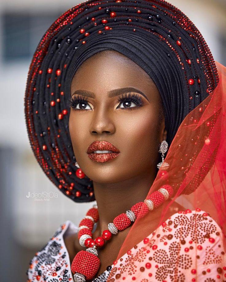 TRADITIONAL BRIDAL INSPIRATION . Makeup - @jideofstola  Photography- @princemeyson Gele ,blouse and beads - @bimmms24 Gele tying- @oni_gele model @onyinye_emeasoba of @bethmodelafrica  #mua #makeup #brows #browking #beautyartist #beautyinfluencer #jideofstola #bridebyjide