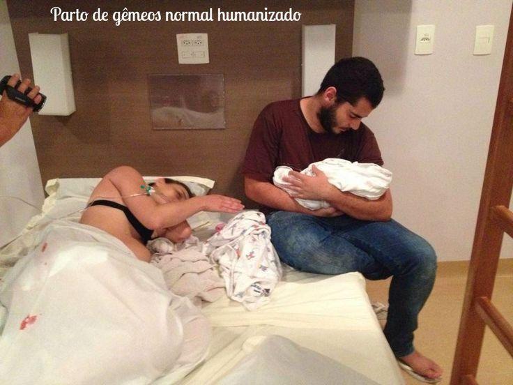 Parto de gêmeos normal humanizado: http://www.gemelares.com.br/2014/07/parto-de-gemeos-normal-humanizado.html