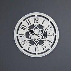 Drewniany zegar ścienny, styl rustykalny .