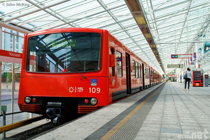 fin_hkl_metro109-110_stvuosaari_1_159_helsinki_2011_L.jpg (3696×2463)