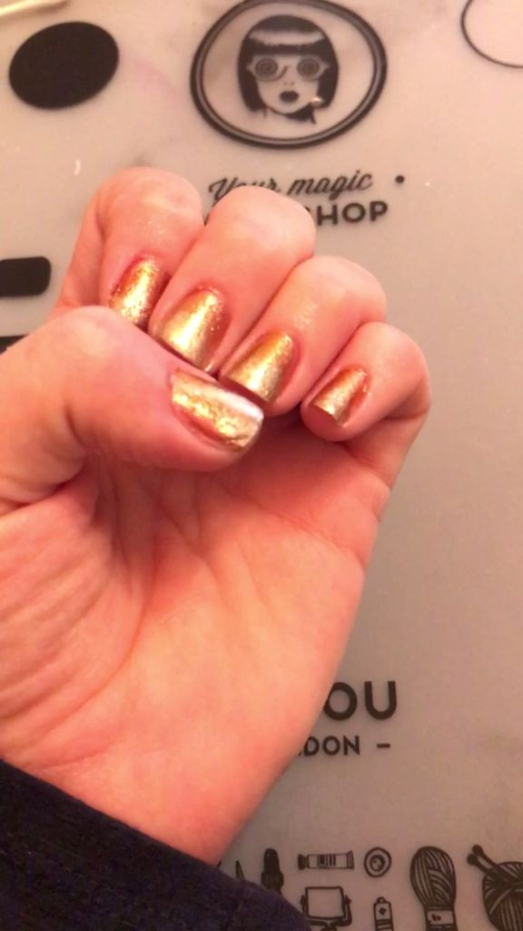 Fall Color Change Nail Design