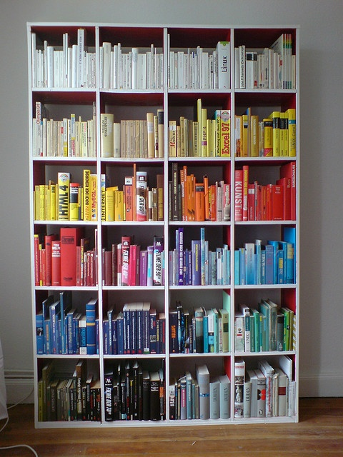 Books Sorted by Color | Flickr - Photo Sharing!