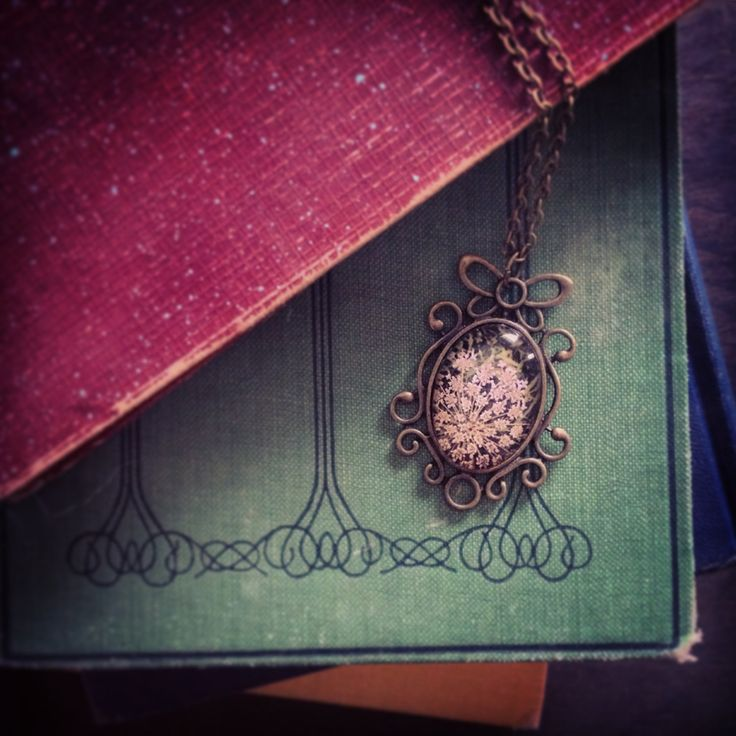 Queen Annes Lace Oval Photo Pendant AKB-01-368 by AmarBhuee on Etsy