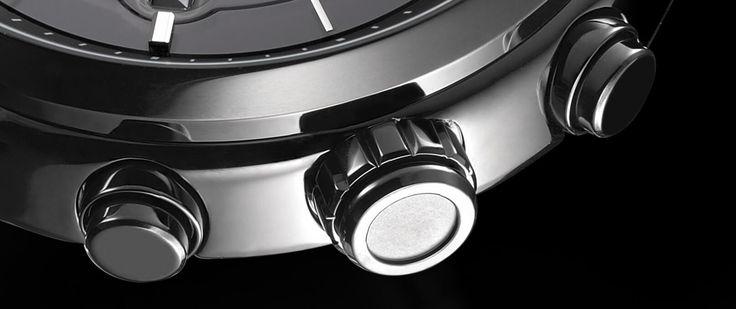 Non è solo uno smart watch: è un Citizen. Sistema Eco Drive. Cassa in acciaio. Impermeabile 10 bar.