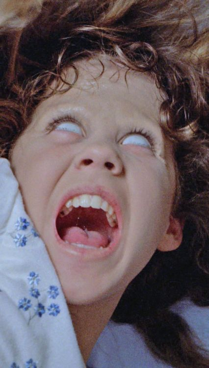 """¿Has visto lo que ha hecho la cerda de tu hija?"". El Exorcista. William Friedkin. 1973"