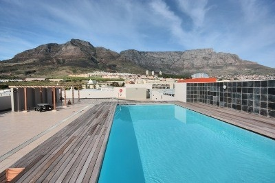 Zonnebloem offers an one bedroom. Modern interior, very large balcony. One parking bay. New complex with 24hr. Security. Centrally located. Roof pool, braai area with panoramic views! laundry & gym