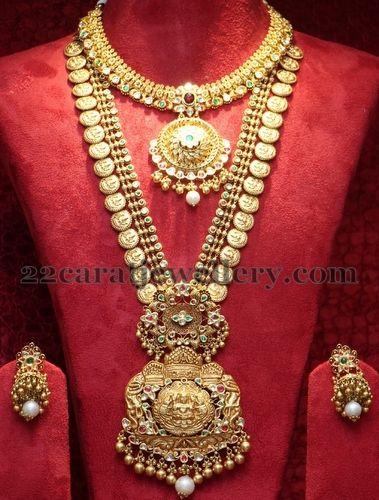 Jewellery Designs: Latest Broad Kasu Haram with Jhumkas