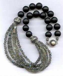 Best 25+ Beaded jewelry ideas on Pinterest | Jewelry making, Handmade jewelry tutorials and DIY ...