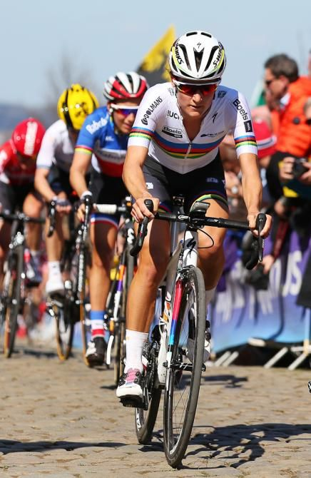 Lizzie Armitstead  on her way to the Tour of Flanders win, 2016.