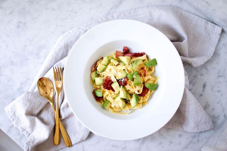 Vardagsrecept: Busenkel pasta med avokado och bacon | Fanny Staaf