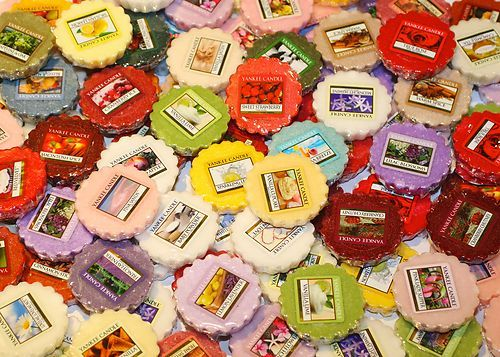 10 Yankee Candle Tarts - Waikiki melon Paradise spice A child's wish Blissful autumn Fluffy towels French Lavender Midnight jasmine Nature's paintbrush Sandalwood vanilla Wedding Day