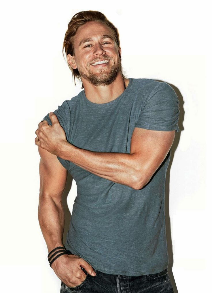 "Article: Charlie Hunnam isn't shy when it comes to nudity, ""I have nothing to hide."" http://blog.iflist.com/2015/03/16/charlie-hunnam-has-no-problem-with-nudity/"