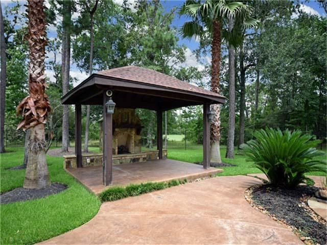 238 best images about gazebos garden retreats on pinterest gardens pavilion and fireplaces - Outdoor gazebo plans with fireplace ...