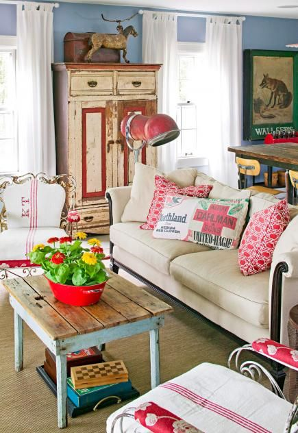 Living room of a Minnesota home decorated with vintage finds. See more of this home: http://www.midwestliving.com/homes/decorating-ideas/decorating-vintage-accessories/page/3/0