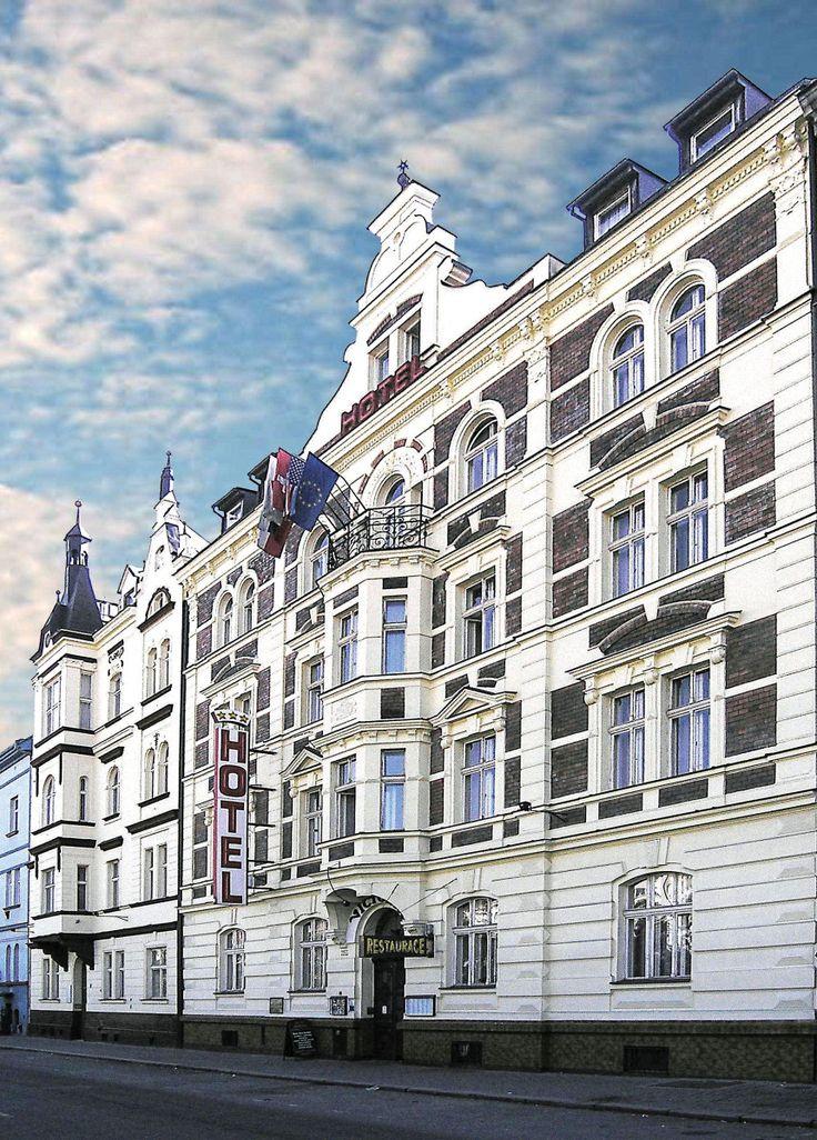 Společnost Pilsen Convention Bureau(PiCB), o.p.s. založená v roce 2010 si klade za svůj hlavní cíl propagaci celého Plzeňského kraje jako ideální kongresové a incentivní destinace. PiCB ve spolupráci s orgány státní správy a územní samosprávy propaguje jednotlivé členy společnosti jako partnery v rámci poskytování služeb v oblasti cestovního ruchu. Spolupracujeme s ostatními Convention Bureau zdalších regionů České Republiky podporující kongresovou turistiku, agenturou CzechTourism a jejími…