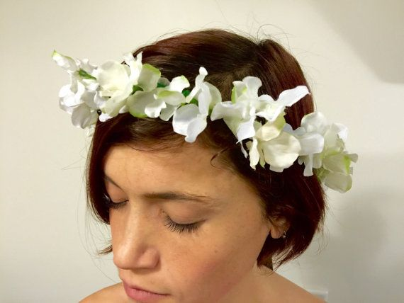 White sweet pea floral crown by dahliasanddaydreams on Etsy