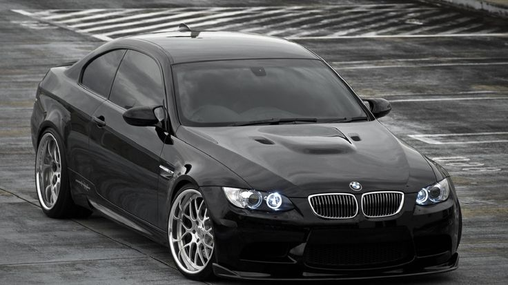 Siyah Renkli BMW M3 E92 Otomobil Duvar Kağıdı