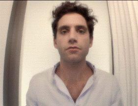 ANIMATED GIF Mika dance - Tweet-o-maton France 5  -  Sept 19 2012