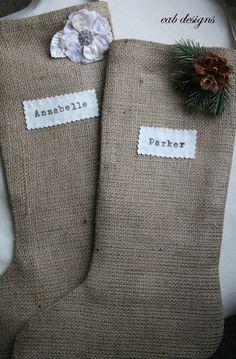 Cute Christmas Stockings | manualidades casa | Pinterest | ストッキング、クリスマスの靴下、バーラップ