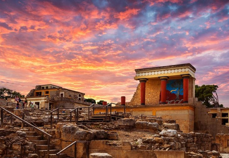 #Knossos: The secrets of Crete's most famous archaeological site. Read more at: http://goo.gl/7PxXSa  #GalaxyHotelIraklio #lifeincrete #Heraklion #crete #explorecrete