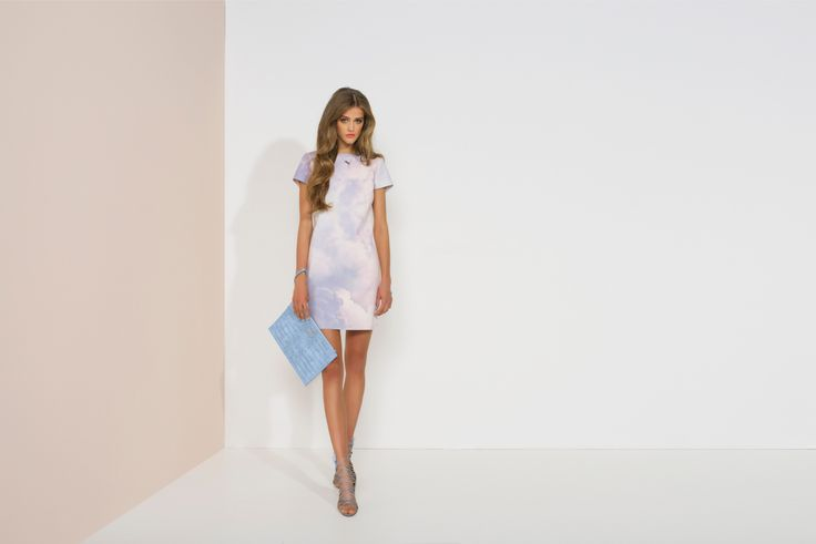 https://joshv.com/kleding-joshv/collectie/seventeen-joshv-17 Be on cloud nine! The JOSH V Carson dress is a great basic essential because only subtle details have been used. A lowered backline including a contrasting coral-coloured cord is applied to the back. The Carson dress perfectly combines with a pair of Healy Heels and the Caressa Clutch. #JOSHV #Highsummer #Summer #Lookbook #Dress #Heels #Clutch #Fashion #Outfit