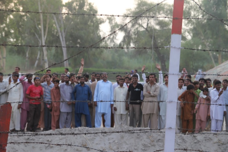 The Fazilka border with Pakistan can be one of the most tense places on the planet.  To my surprise, despite the bravado, after the military demonstrations, the people from both the Indian and Pakistani sides rushed to the fence and did two things.  They waved their hands high in friendship and took photos with mobiles, highlighting that the tension between the two nations was one of politics and not between people.
