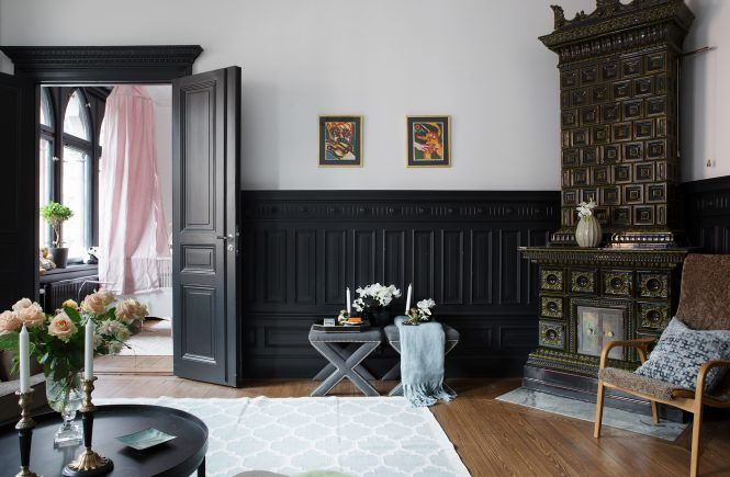 Paint It Black: A Stylish Stockholm Apartment With Black Trim - Gravity Home