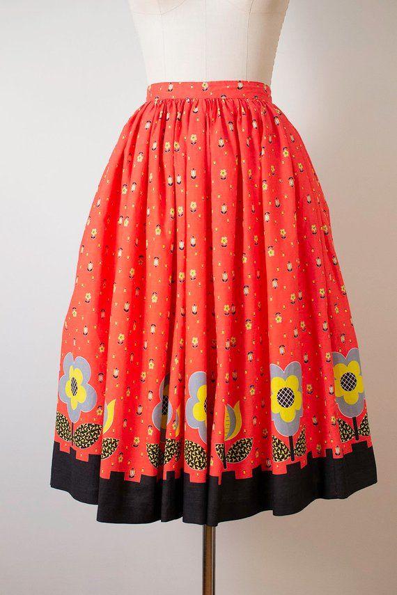 Vintage Cotton Floral Print Full Skirt  1950s 1960s Novelty Print Ferns and Flowers Vintage Skirt