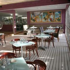 Enjoy tapas and a la carte menus in Beach Road Restaurant