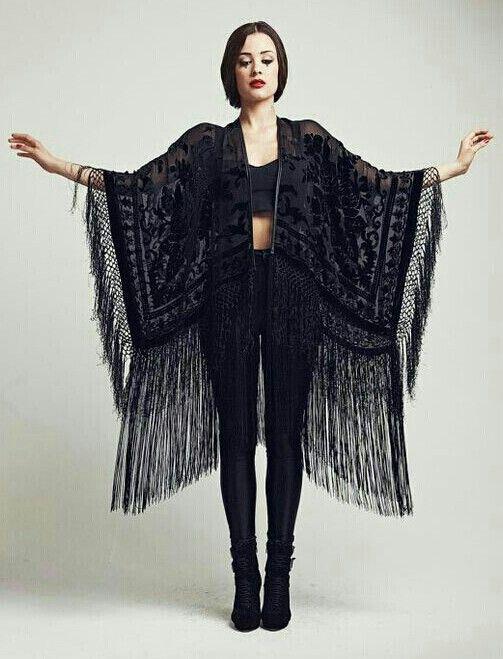 Black lace kimono oh my days!