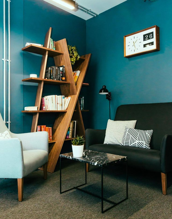 #XI bookshelf for acontemporary and beutiful livingroom by @IndieandCo. #interiordecoration #home #bookshelves #wood #contemporary #livingroom