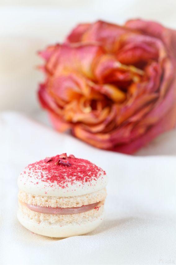 """(со страницы Verdade de sabor: """"Макароны"""" с малиной и розовой водой (Macarons de framboesa e água de rosas))"""