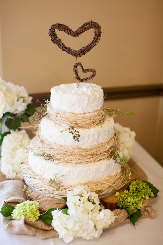 Rustic cake with handmade vine heart topper - Gainesville Wedding by Erika Delgado Photography