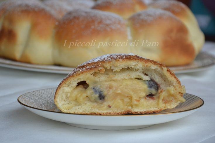 Danubio+dolce+ripieno+di+crema+pasticcera+e+amarene%2C+ricetta+dolce